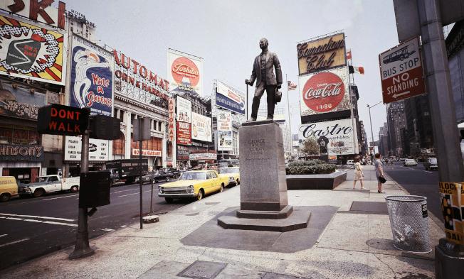 時報廣場  George Cohan銅像(1966年7月 )。(Getty Images)