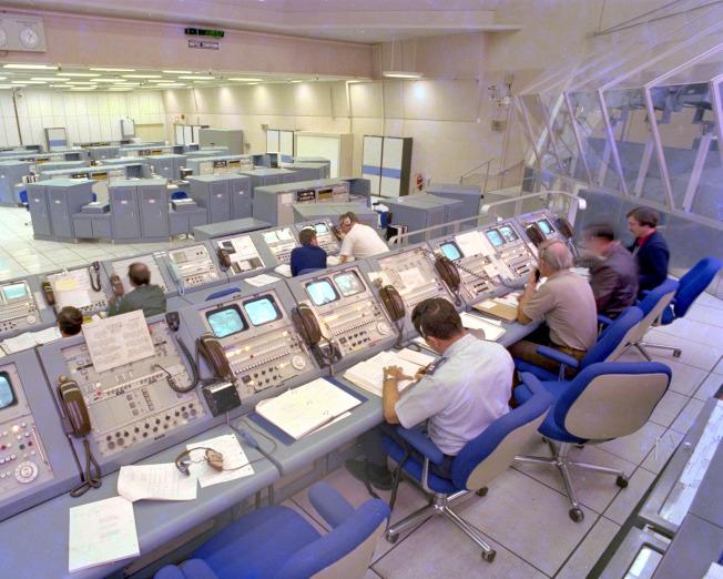 第一次太空梭發射時,在地面掌舵的是華裔周耀偉。(NASA)