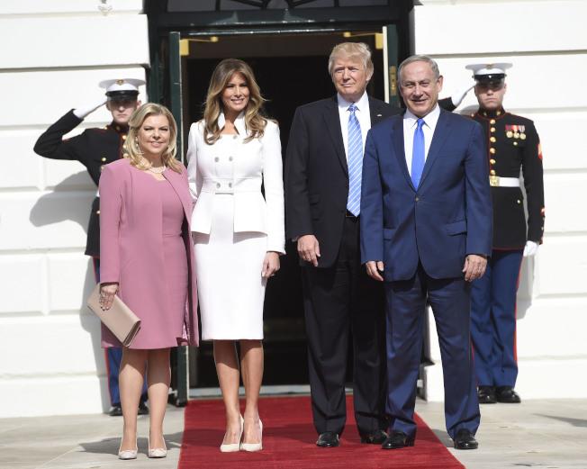 川普總統就職不到一個月,以色列總理內唐亞胡(前排右一)就造訪白宮。(美聯社)