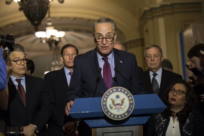 參院少數黨領袖舒默要求川普作出解釋。(歐新社)