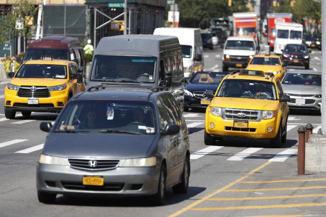 會計師分析買車和租車何者較省稅。(美聯社)