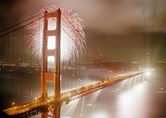 1987年5月24日,金門大橋歡慶50周年紀念。(美聯社)