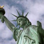 1885年6月17日自由女神抵達紐約港