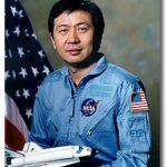 1983年6月8日:首位華裔太空人誕生