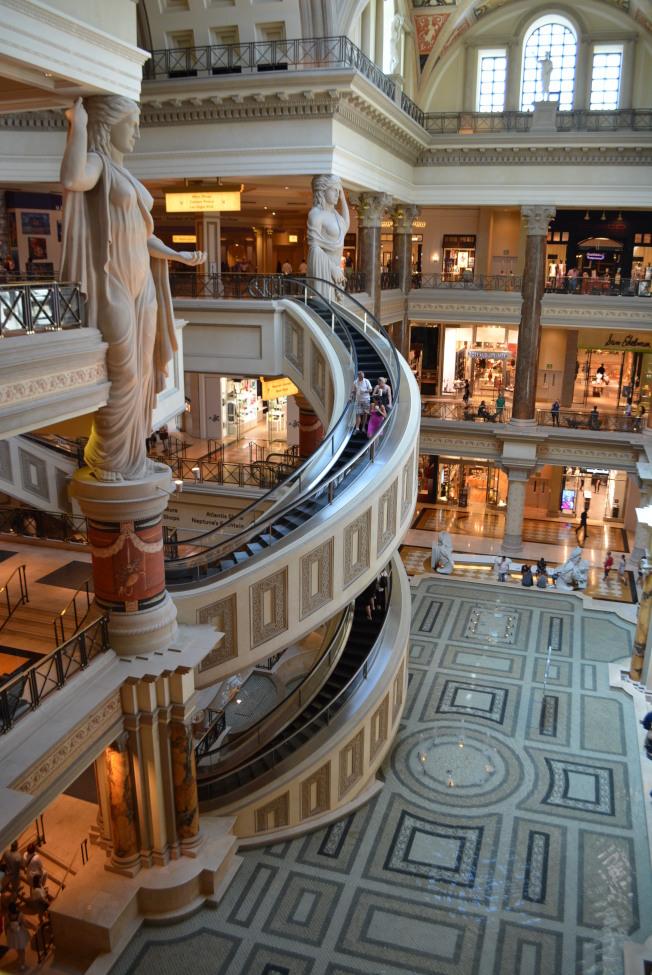 凱撒購物中心(Forum Shops)是全美最賺錢的購物中心。(記者馮鳴台/攝影)