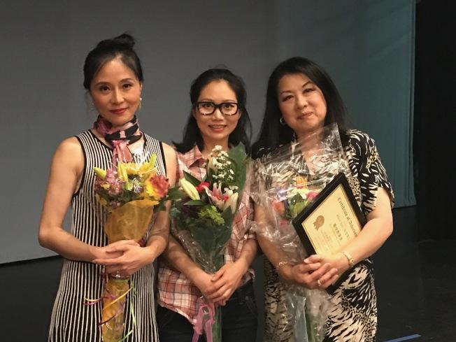 「海外剩女」英文版首演,三位女主演劉中(左起)、劉婷君、孫立文。(記者俞國梁/攝影)