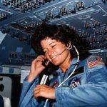 1983年6月18日美首位女太空人登太空