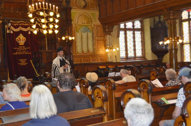 民眾得以免費進入教堂博物館,了解教會歷史。(記者俞姝含/攝影)