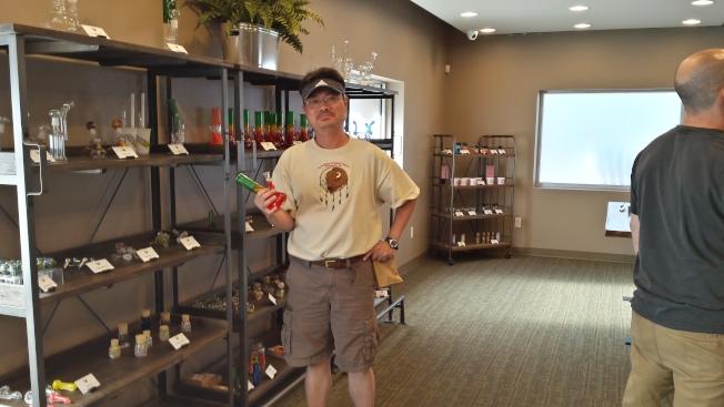 作者攝於大麻專賣店內。