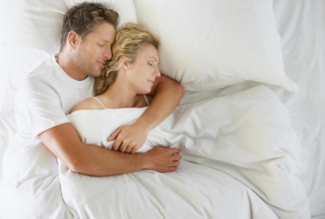 男女對空調舒適溫度的感受有別,女性往往比較怕冷。(Getty Images)