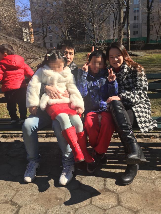 王飛和妻子葉娟貞在美國生育兩個孩子,上訴成功後被ICE逮捕關押已半年的王飛如今可暫松口氣。(高泰提供)