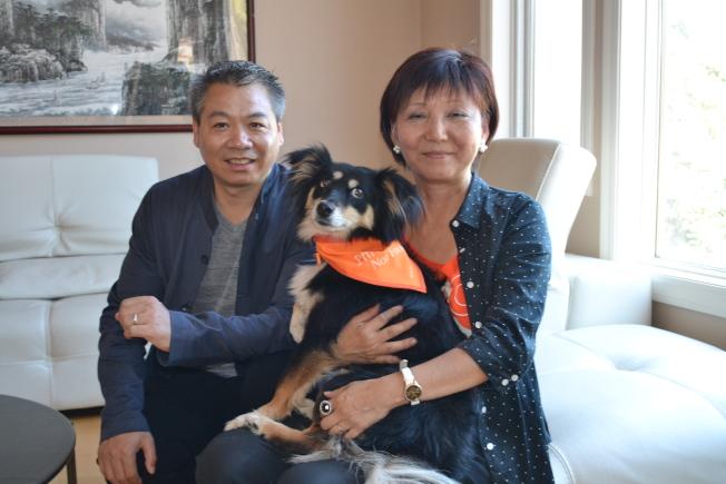 亞洲小動物獸醫師協會聯盟主席劉朗(左)與多多關懷動物基金會創辦人鞏增恆(Andrea Gung,右)致力推動中國動物保護的相關議題。(記者張毓思/攝影)