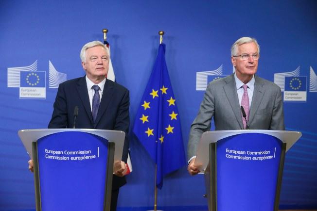 英國和歐洲聯盟(EU)脫歐談判代表會面,表示要開始討論實質問題。(歐新社)