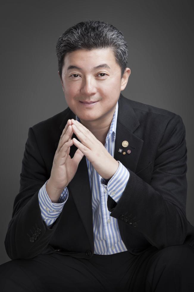 張首晟與團隊於北京發表實驗結果,證實天使粒子的存在。(圖:張首晟提供)
