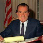 1974年7月27日:水門案關鍵倒數 眾院通過彈劾尼克森總統
