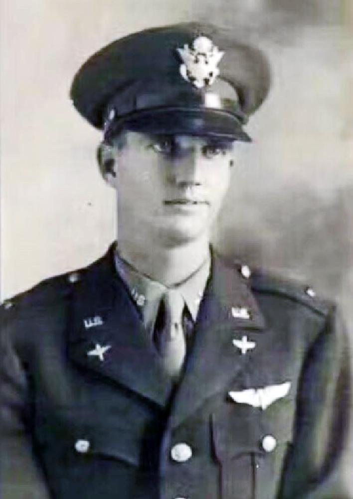 當年英俊挺拔的飛虎隊成員、美軍援華抗戰中尉奧斯福德遺照(Robert Eugene Oxford)。(資料照片)