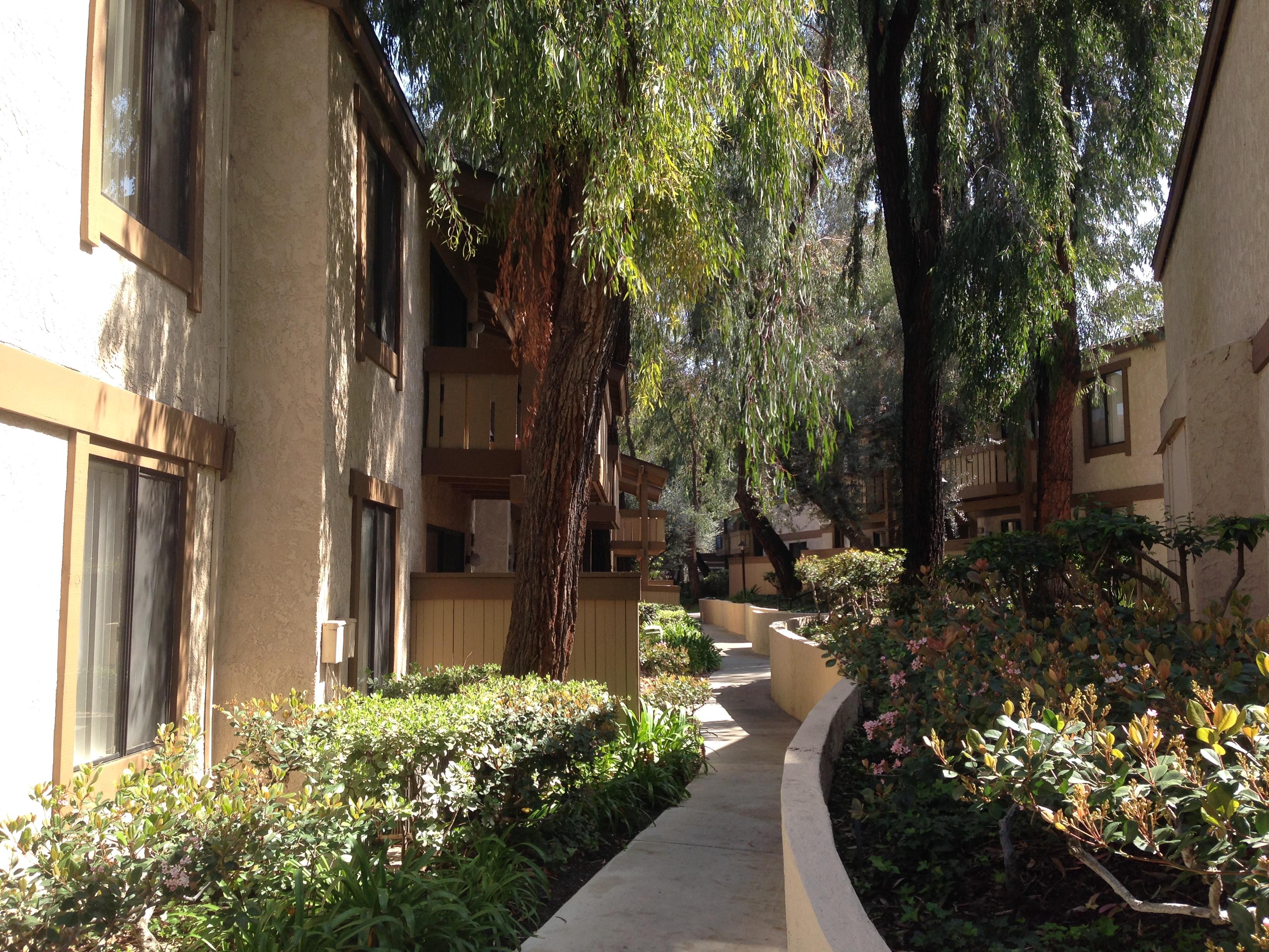 洛杉磯羅蘭岡庭院深邃的小區是月子中心最愛的選址地點。(記者高梓原/攝影)