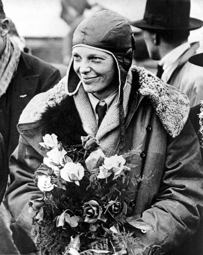 1928年6月厄哈特從美國飛抵英國,成為飛越大西洋的首位女性。(美聯社)