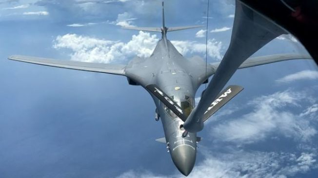 美國在北韓發出威脅後,派出「B-1B」巡邏關島。(美國空軍檔案照)