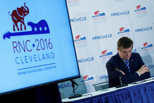 川普競選經理馬納福去年7月在克里夫蘭共和黨全國代表大會主持記者會。(路透)