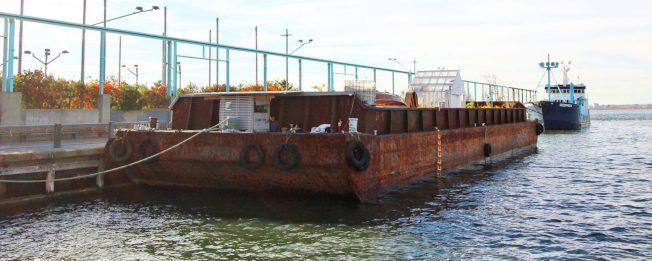 Swale由一艘長130呎、寬40呎的舊駁船改造而成。(取自Swale官網)
