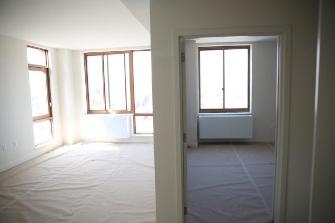 每套老人公寓面積均在600平方呎左右,採光優良。(記者洪群超/攝影)