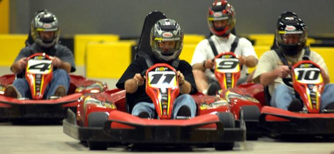喜歡刺激和競速的人,可在卡丁車場體驗速度與激情。(Pole Position Raceway)
