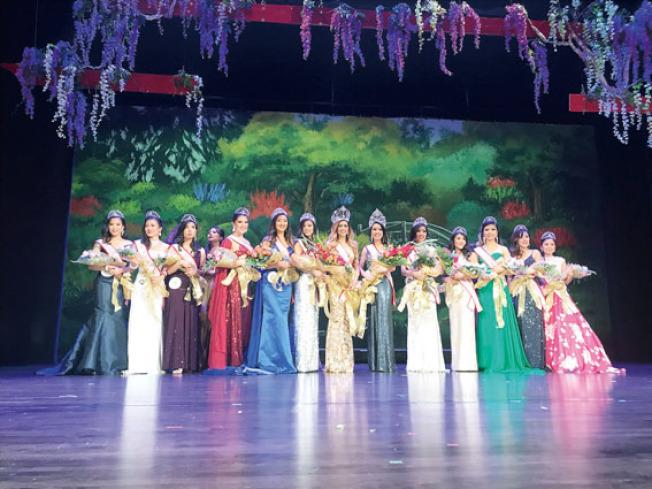 14號佳麗Trisha Bantigue(中)獲全球亞裔小姐最高獎項。(記者黃少華/攝影)