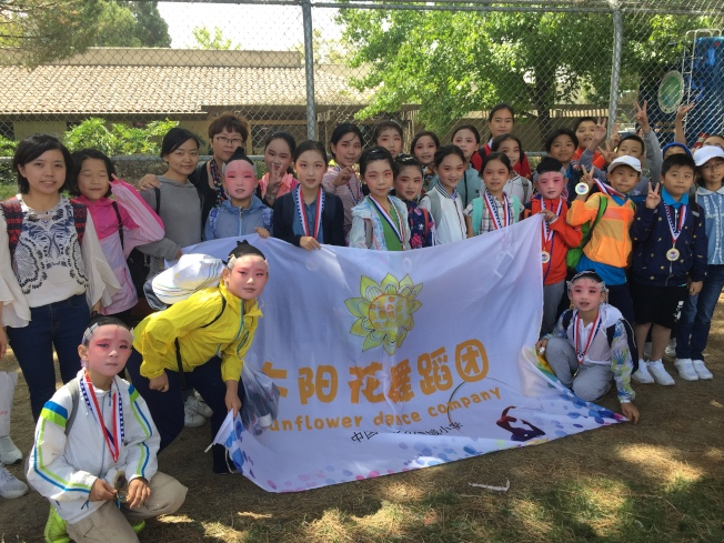 南京市金陵小學與其他三所小學藝文社團共同前來表演,期待未來有機會與台灣友好學校重回華體會舞台。(記者林亞歆/攝影)