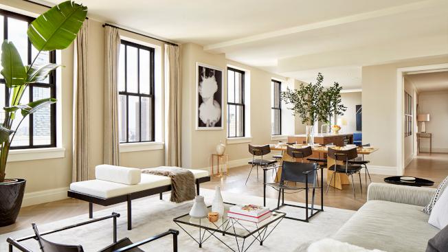 Barclay街100號為住戶提供開闊的一臥至五臥的閣樓(Loft)戶型,樓高10呎,客廳通透高大。(取自100 Barclay網站)