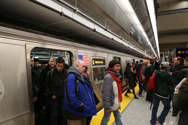 二大道地鐵開通,沿線房市節節攀高,前景看好。(本報檔案照)
