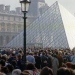 1793年8月10日:羅浮宮玻璃金字塔  貝聿銘驚艷全球