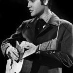1977年8月16日 搖滾之王死於浴室