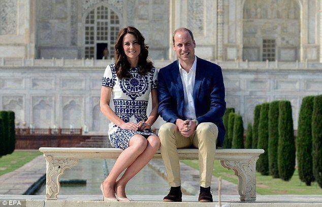 威廉與凱特2016年參觀印度泰姬瑪哈陵,午餐享用印度素食料理。 (歐新社)