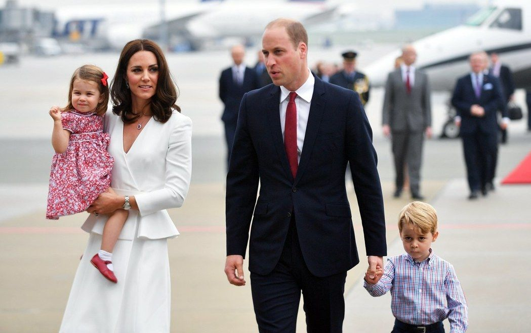 威廉王子一家人7月17日訪問波蘭華沙。英國王室成員出訪時,不吃生食也不吃帶殼海鮮。 (歐新社)