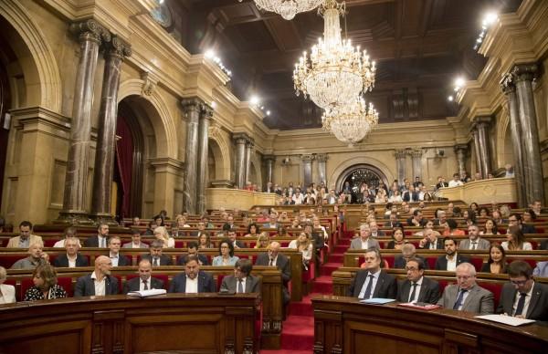 加泰隆尼亞議會對公投法案進行表決,以72票同意、60票反對、3票棄權的結果通過。(Getty Images)
