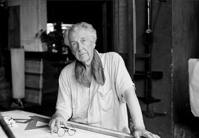 萊特1938年攝於自家。(Getty Images)