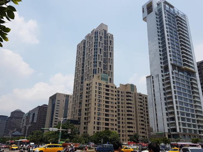 國際房地產顧問公司萊坊(Knight Frank)發表2017年第2季「全球豪宅指數」,台北市豪宅價格年跌6.5%,亞洲四小龍中最慘。(記者孫中英/攝影)