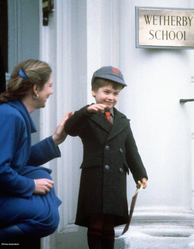 哈利第一天上學。(圖/取自肯辛頓宮推特)