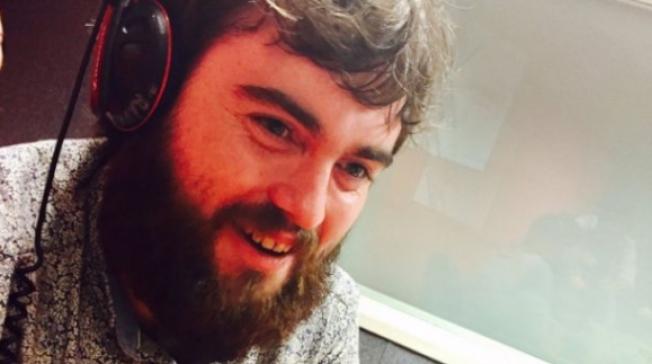 英國一名24歲男大生史密斯接受訪問,談這場跟「屎」有關的約會。圖/擷自BBC