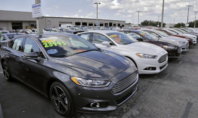 想買二手車時,如果你願意搭機到別的城市,也許可省下幾千元,因為二手車在美國各都會區的價格有很大差異。(美聯社)