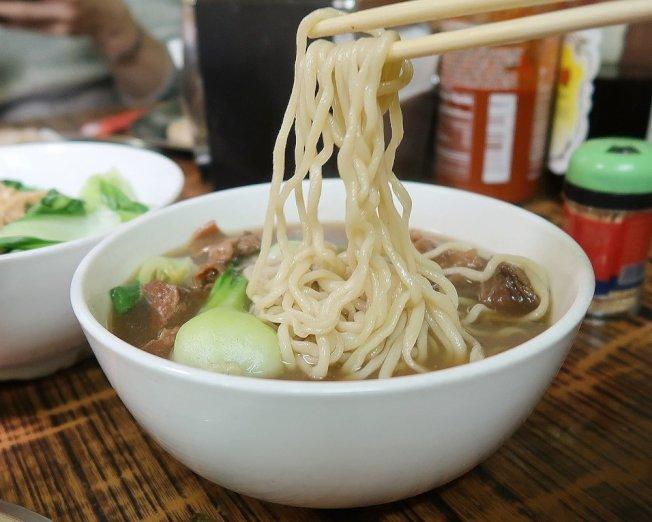蘭州拉麵廣受華埠居民喜愛。(取自網路)