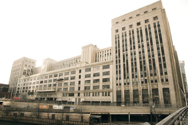 芝加哥現有建築方面,有毗鄰國會大道和芝加哥河的舊郵政總局,可用作額外建築物開發地。(取自芝加哥建築官網)