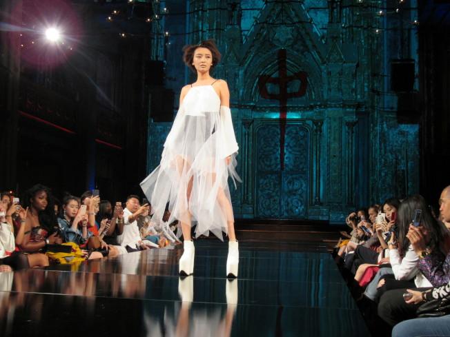 呂白和賀軍翔共同創立品牌「To Be @Thrill」9日在紐約時裝周發表2018春夏女裝系列。(記者顏嘉瑩/攝影)