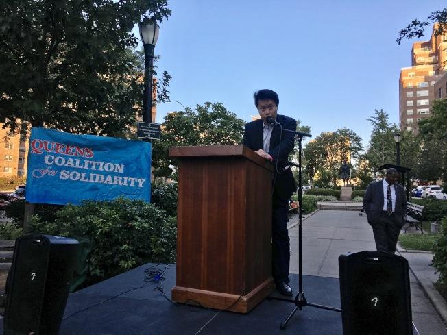 黃啟俊表示與亞裔夢想生們一起戰鬥,無懼未來。(記者李碩/攝影)