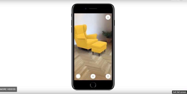 「Ikea」有一擴增實境(AR)App,讓iPhone用戶在挑選家具時,將家具放在家中的實境中,查看是否合適。(美聯社)