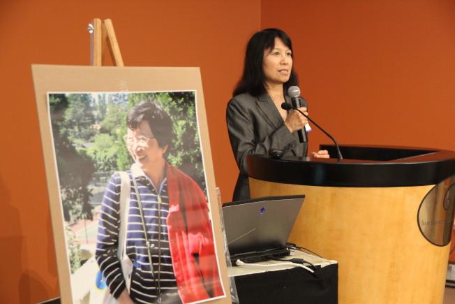 作家楊秋生在紀念會上追思喻麗清對文壇的諸多貢獻。(記者李晗/攝影)