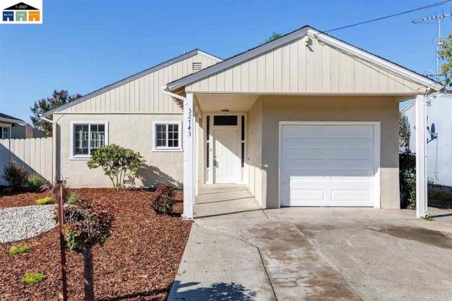 這一棟的家庭房使用面積有1031平方英呎,要價僅52萬8000元。