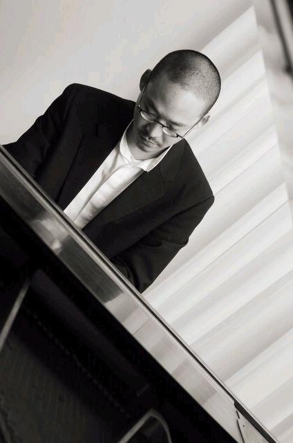 黃建傑將於23日以鋼琴獨奏會為東非病患籌款。(黃建傑提供)