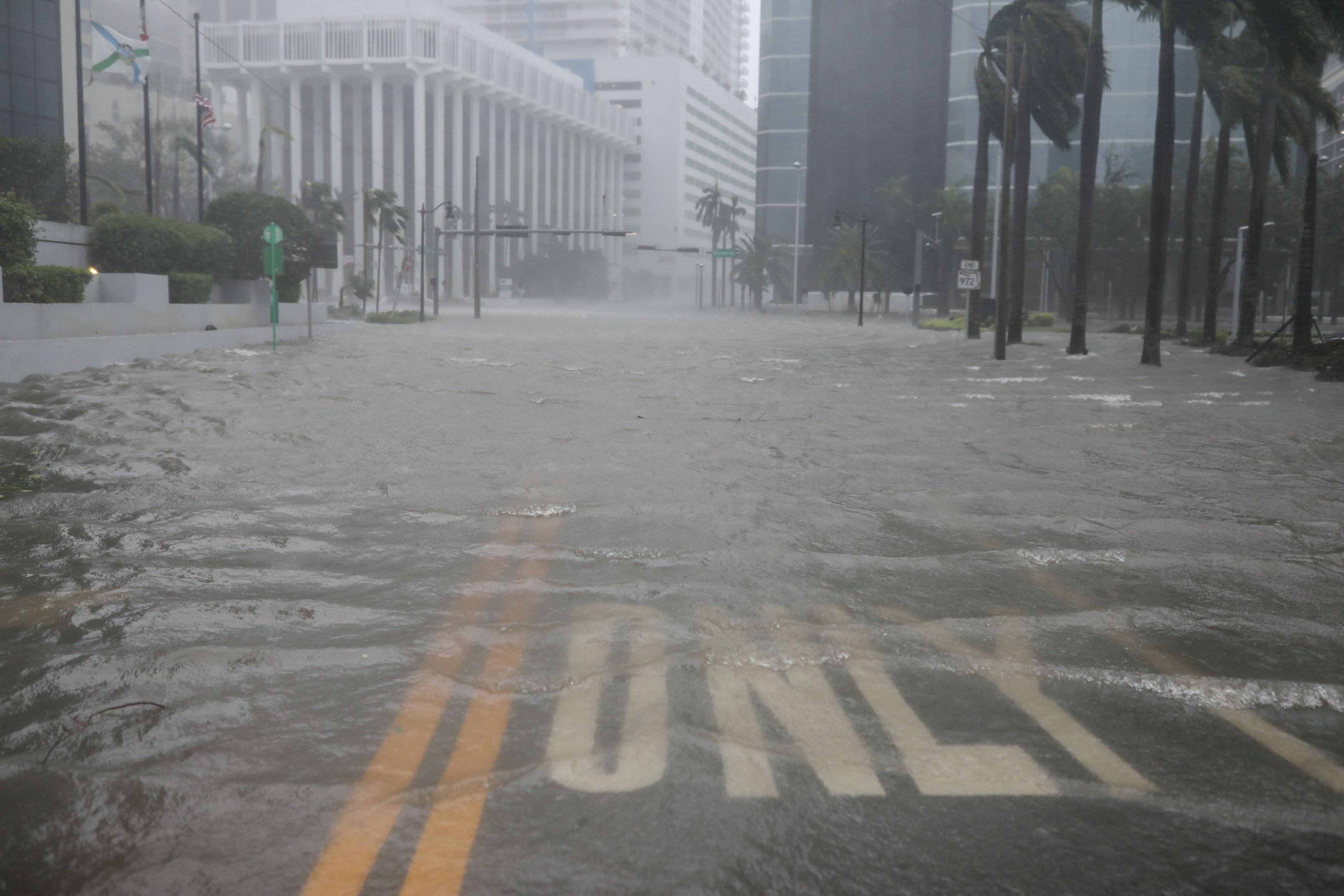邁阿密的馬路有如河流。(路透)